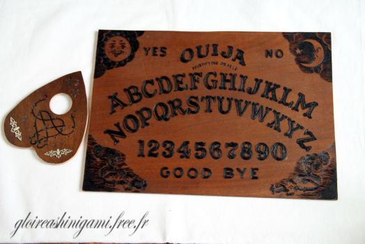 Ouija board by GreatShinigami