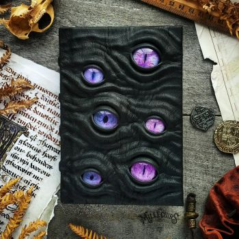 Purple watcher - small size by MilleCuirs