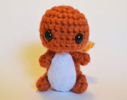 An adorable little Charmander AND a free pattern! by LoopTeeLoops