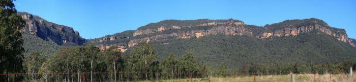 Megalong Valley panorama by Backflipboy