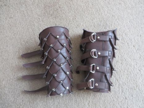Scaled Bracers by Nerds-and-Corsets