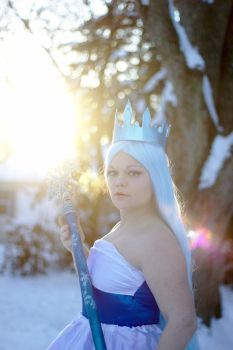 Queen Frostine Cosplay: Sunset by HatterSisters