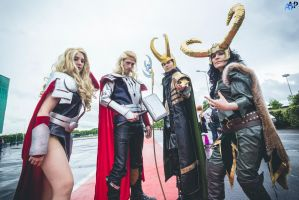 MARVEL Thor 'Everybody wants to rule the world' by Hirako-f-w
