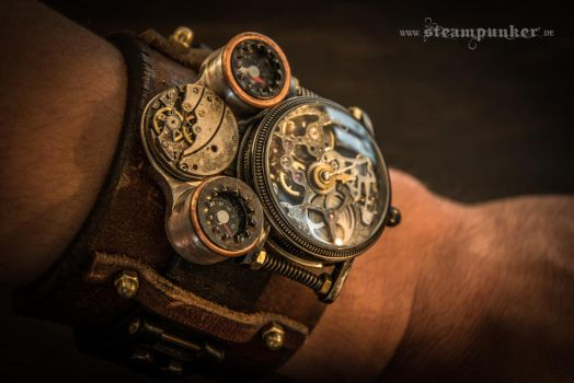 Steampunk watch - timemachine by steamworker