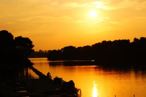 Sunset with fisherman by Quentin-Kalend