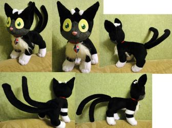 Kuro plushie by Rens-twin