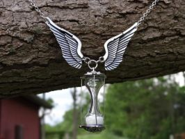 Steampunk hour glass necklace by Hiddendemon-666