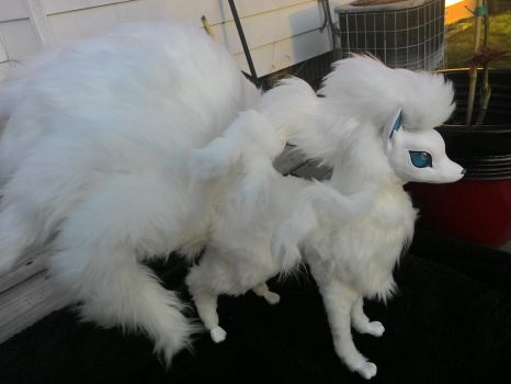 Ninetales Plush Alola by hopelipe