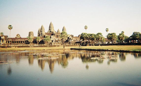 Angkor Wat Reflecting Pool by FenigDurak