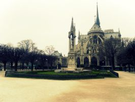 Notre-dame by DiscoverDreams