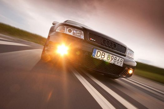 Audi RS 4 in motion by mjagiellicz
