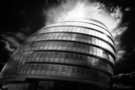 City Hall, London in Black and White by haz999