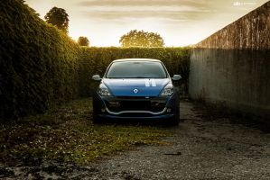 Renault Clio RS by GandCphotography