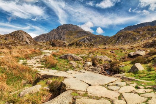 Cwm Idwal Mountain Trail by somadjinn