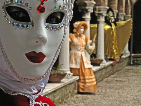 Carnaval venise 2008 blanc by YPH
