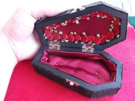 Coffin Gift Box 002 by MythrilAngel