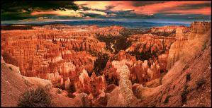 Bryce Canyon Panorama by kimjew