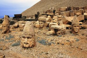 Mt Nemrut Heads 2 by CitizenFresh