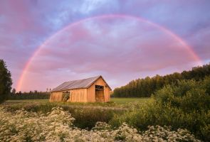 Barn Under The Rainbow by Laazeri