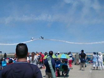 Rhode Island Air Show - Criss Cross Airplanes by StarbornKarissa