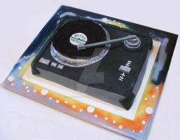 turntable cake by scratchbakeshoppe