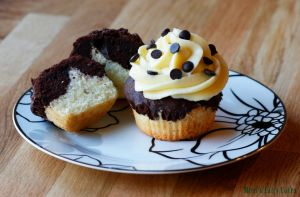 Marble Cupcakes with vanilla pudding topping by Cailleanne