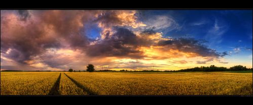 Hungarian skies pt.CXI. by realityDream