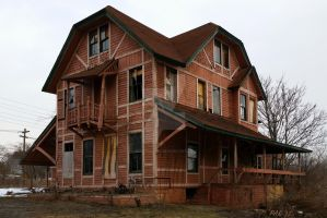 Derelict on Dunning Road by peterkopher