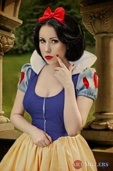 Snow White: My Fair Lady by Hello-Yuki