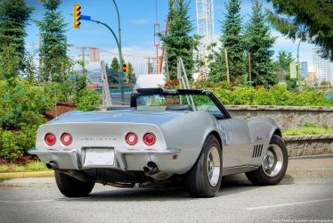 Classic Corvette by SeanTheCarSpotter