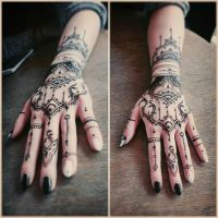 Delicate henna pattern by cydienne