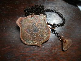 Lion Etched Menagerie Necklace For Sale by modastrid
