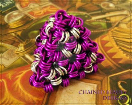 Chainmaille Dice - D4 by ChainedBeauty
