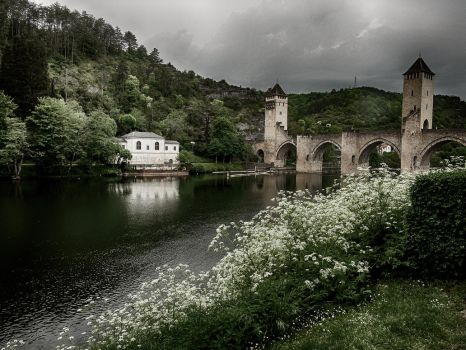 Pont Valentre by Mauvella