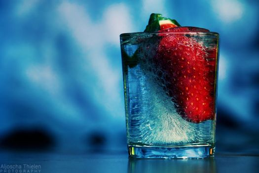 Frozen Strawberry by AljoschaThielen