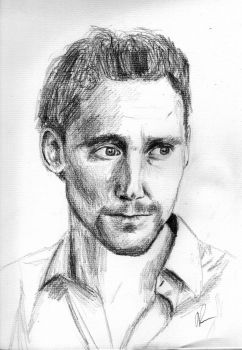 Tom Hiddleston by CaliAli16