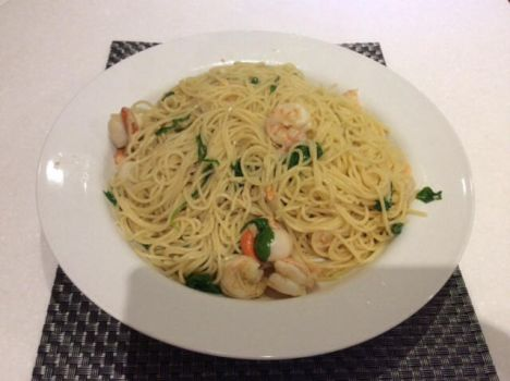 Seafood Spaghetti with spinach by Roses-and-Feathers