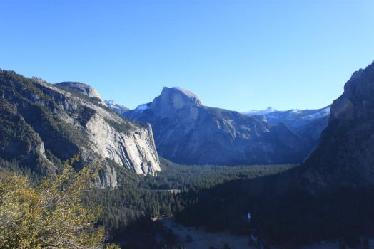 Tunnel View by Spacewolf78