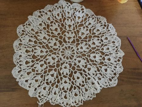 Crochet Doily (Flower Wheel) by MlNTE4