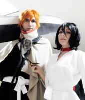 Kuchiki Rukia Prisoner and Kurosaki Ichigo Cosplay by SailorMappy