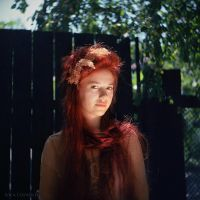 of red by AncaCernoschi