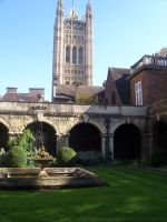 Courtyard at Westminster by R-Lynn