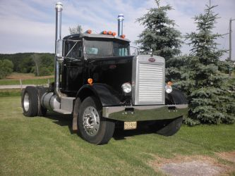 1962 Peterbilt by Aperturecrazy