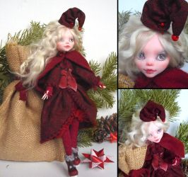Yule elf - Monster High Draculaura custom by fuchskauz