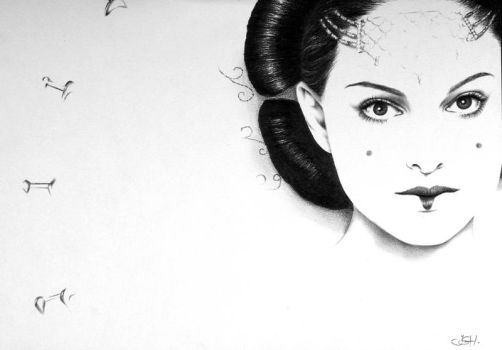 Amidala by IleanaHunter
