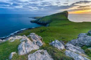 Neist Point by roarbinson