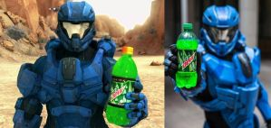 Halo 4 Lifesize Mountain Dew spartan cosplay by Hyperballistik