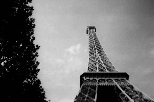 Eiffel Tower 2 by bebadawn