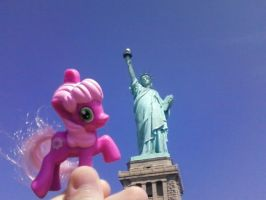 Cheerilee at the Statue of Liberty by theirishbronyx