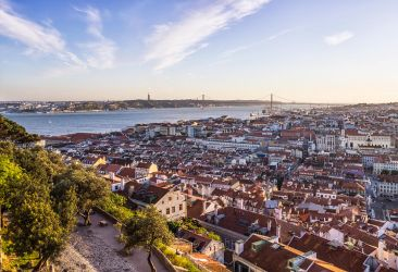 Lisbon, a happy place by Pipera